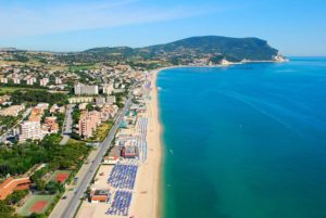 Spiaggia libera di Marcelli
