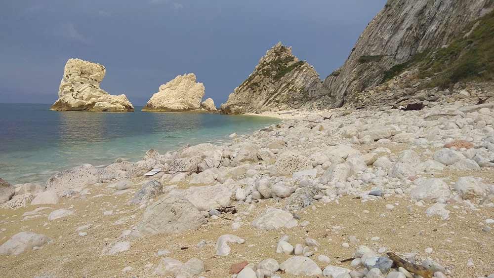 Spiaggia delle due sorelle Sirolo
